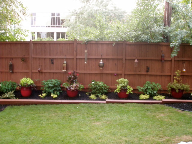 Outdoor Landscape - Backyard Fence - Traditional - Landscape - Chicago