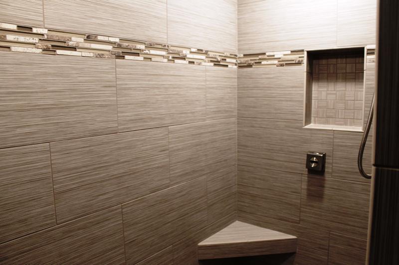 Contemporary Bathroom Wall Tile Ideas For Small Bathrooms : Saura V