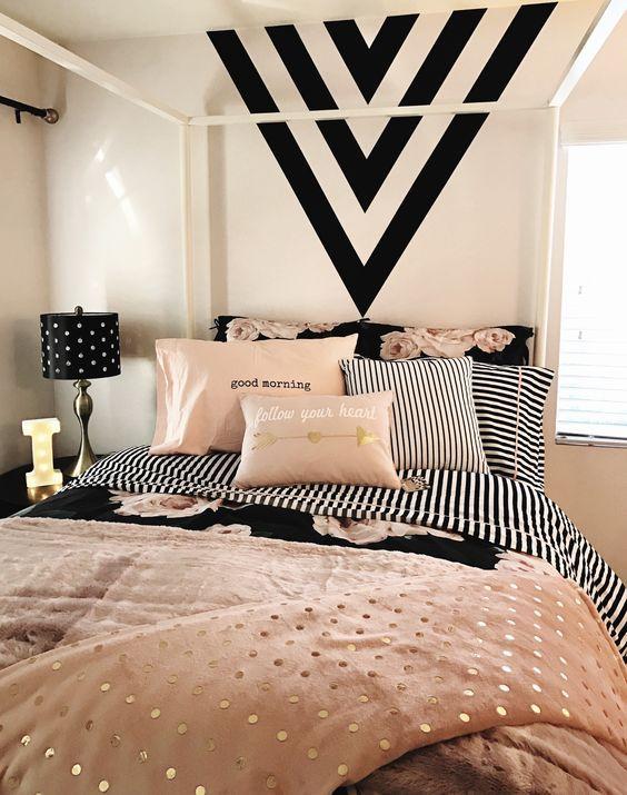 5 Inspiring DIY Ideas For Black Bedroom Decor | Home & Bedroom