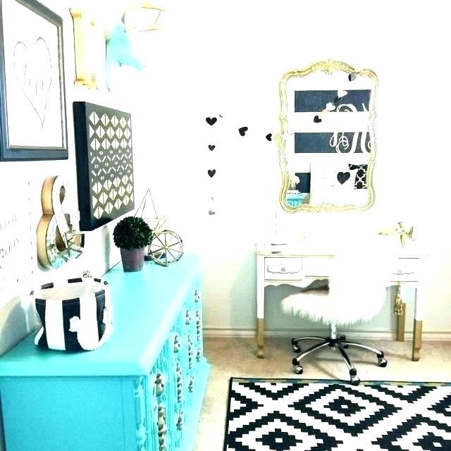 Black White And Gold Bedroom Black White And Gold Room Decor Black