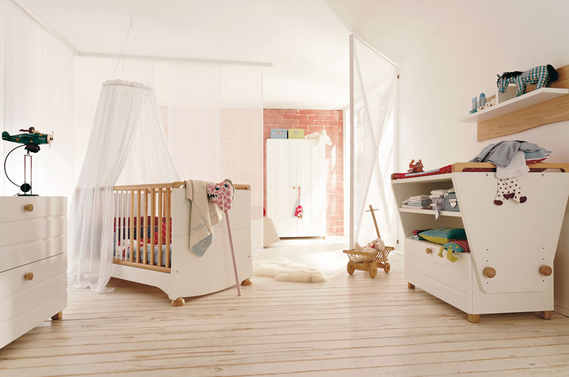 Modern Kids Room Furniture Set with Convertible Baby Crib â