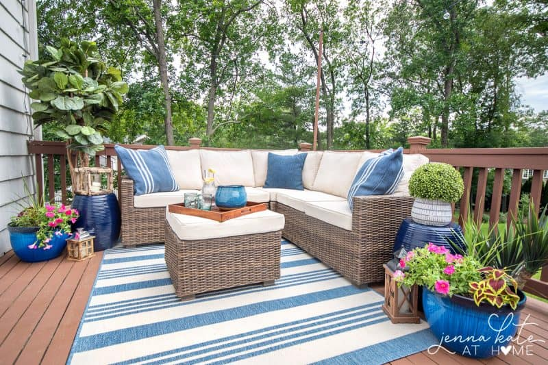 How to decorate a deck or patio with string lights and plants