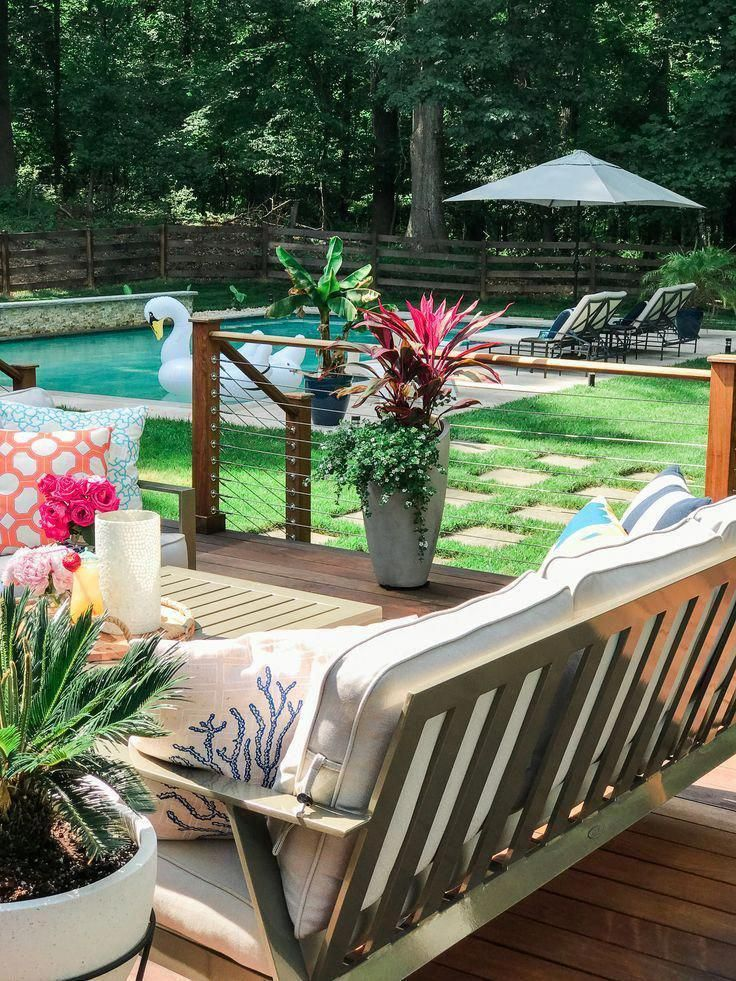 Backyard deck decorating ideas | Stainless steel deck cable railing | Patio  furniture layout deck | Patio furniture ideas outdoor | Tropical plants in  pots