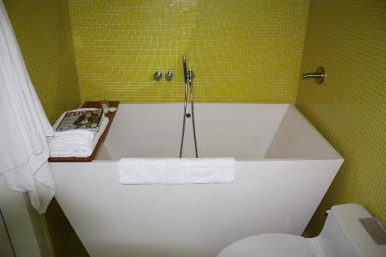 deep soaking tub for small spaces | Bathroom | Shower tub, Deep