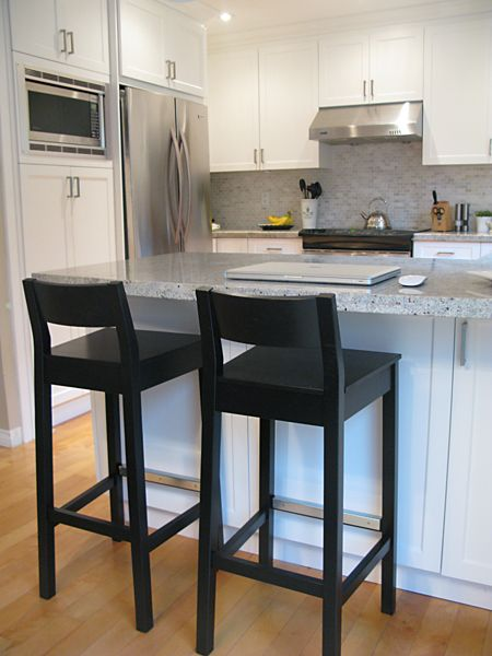 Kitchen bar stools. Black, wooden? With chair back. | Home ideas