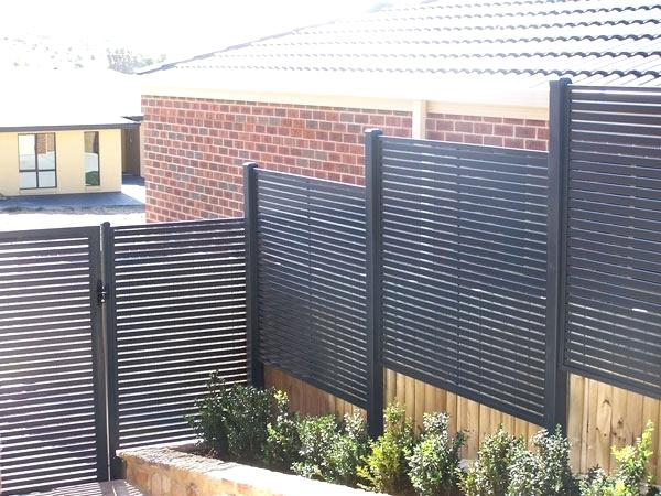 decoration: Exterior Privacy Screen