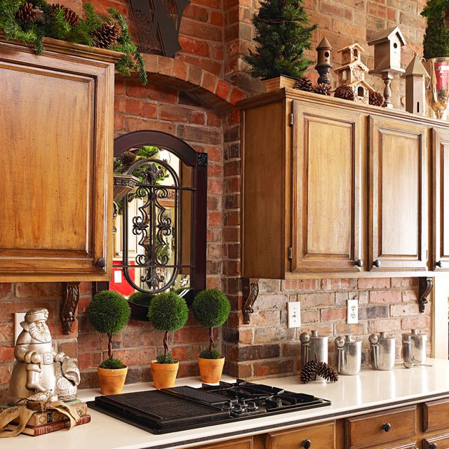 french country holiday decorating | Christmas Kitchen Decor on a