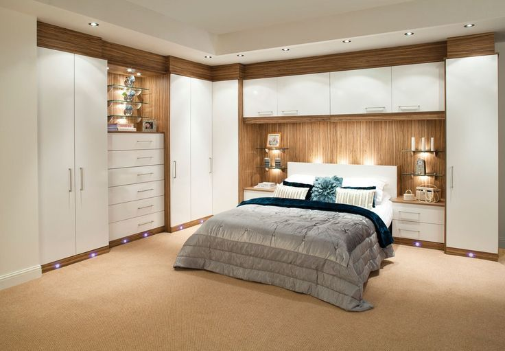 Resultado de imagen de built-in wardrobe around bed | Dormitorio in