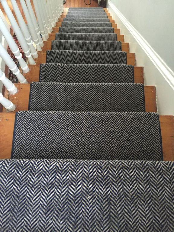 30+ Modern Runner Carpet Decor Ideas For Stairs | Home | Carpet
