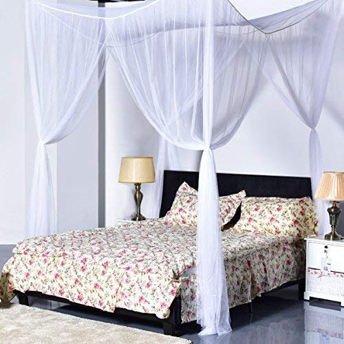 Queen Size Canopy Bed With Curtains