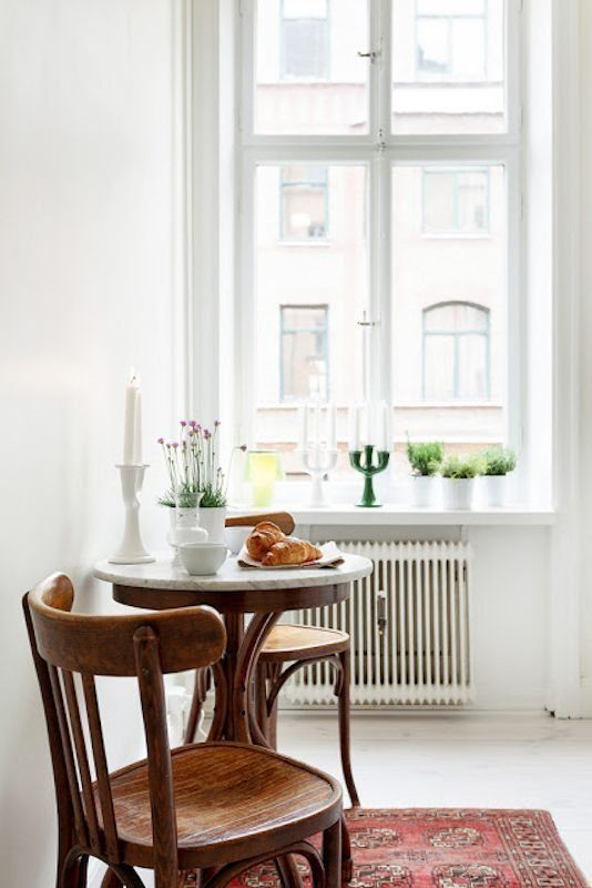 Small Space Solutions: 10 Ways to Turn Your Small Kitchen into an