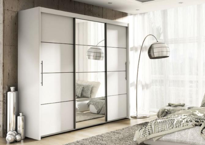 White wardrobes with sliding doors and mirrors: Stylish storage
