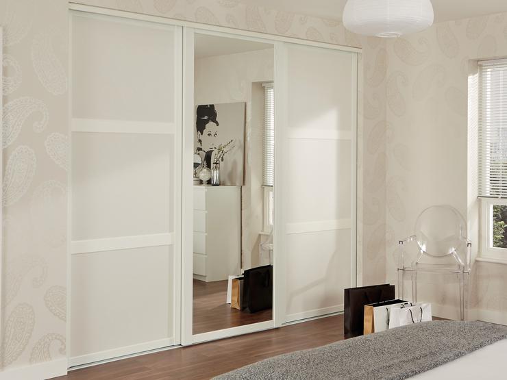 Sliding Wardrobe Doors | Sliding Mirrored Doors | Howdens