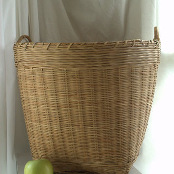 Best Vintage Laundry Basket Products on Wanelo